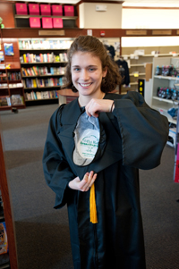 Caps And Gowns Made From Recycled Plastic The Green Dandelion