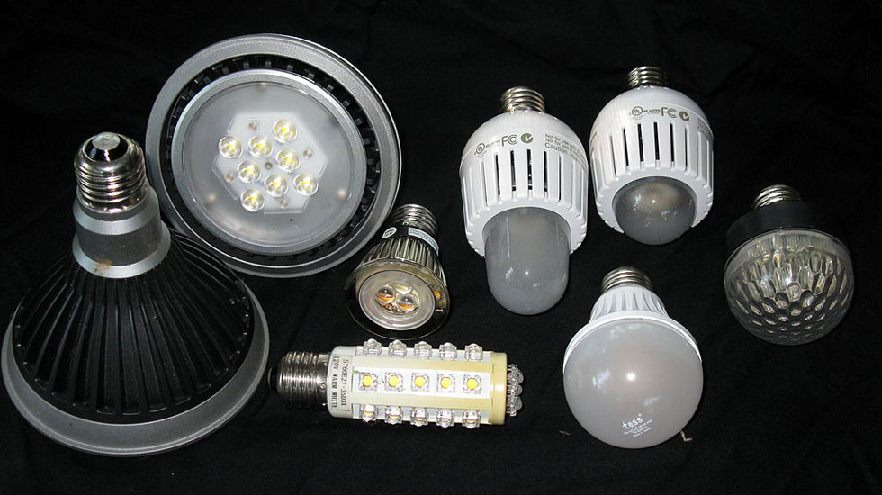 1024px-LED_bulbs